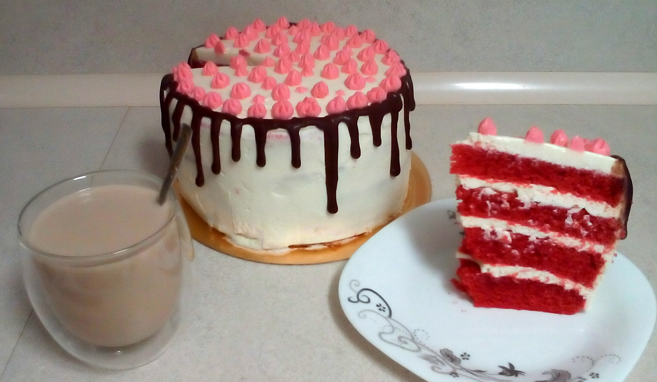 Как сделать цветные подтеки на торте фото 363
